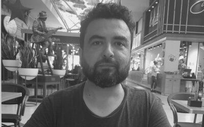 """Óscar Contardo: """"Hay un estado de paranoia generalizado que hace que la gente baje las barreras y esté dispuesta a creer en cualquier rumor"""""""