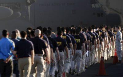 Expulsiones de extranjeros: aumentaron en estallido social, pero bajaron en pandemia